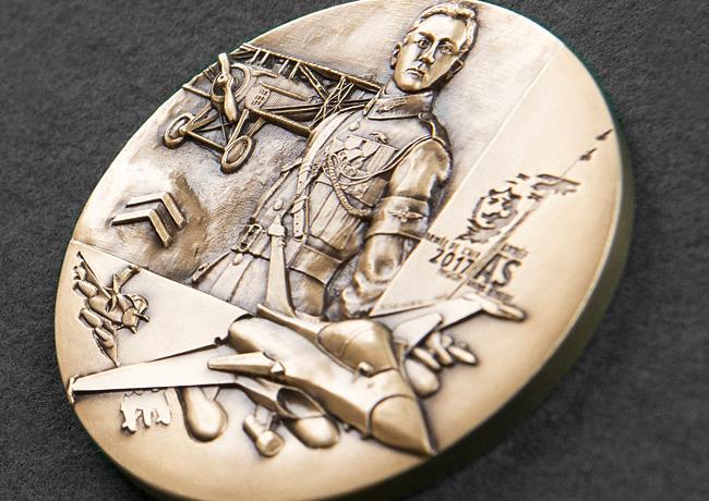 Médaille des 100 ans de la Chasse aérienne de l'Armée de l'Air par Nicolas SALAGNAC