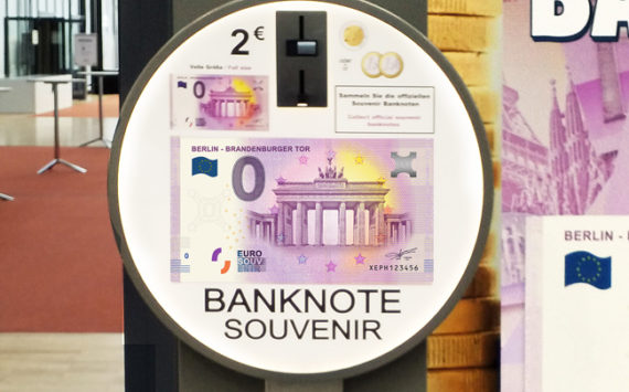 Le billet Zero euro touristique « Porte de Brandebourg  » au World Money Fair 2018 à Berlin