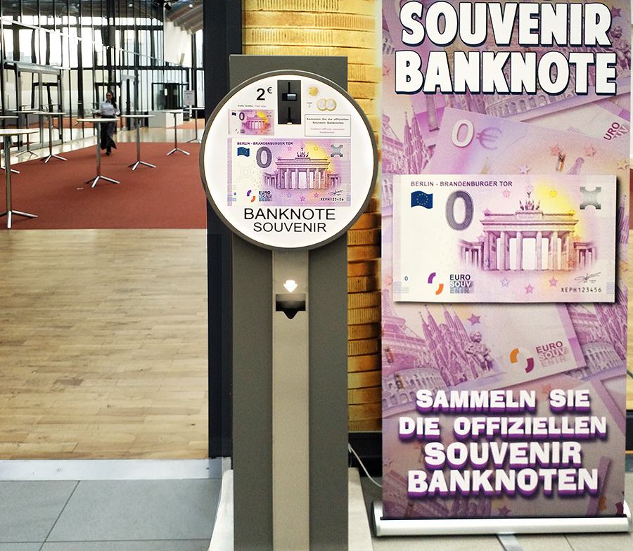 "Le billet Zero euro touristique ""Porte de Brandebourg "" au World Money Fair 2018 à Berlin"
