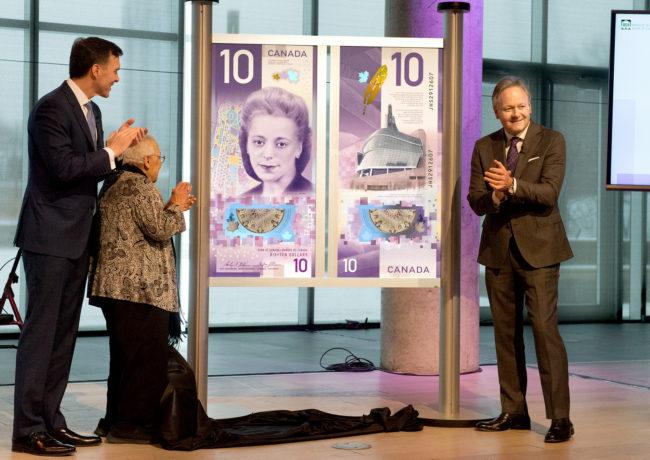 10$ VIOLA DESMOND, première femme sur un billet canadien et premier billet polymère «vertical»