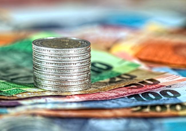 La monnaie pleine ou comment interdire aux banques privées la création d'argent virtuel