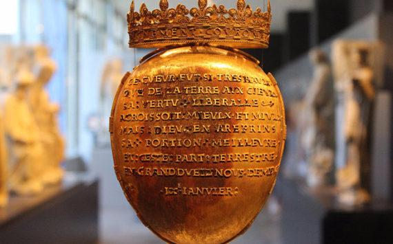 Vol du reliquaire d'ANNE de BRETAGNE et de pièces médiévales au Musée DOBREE à NANTES