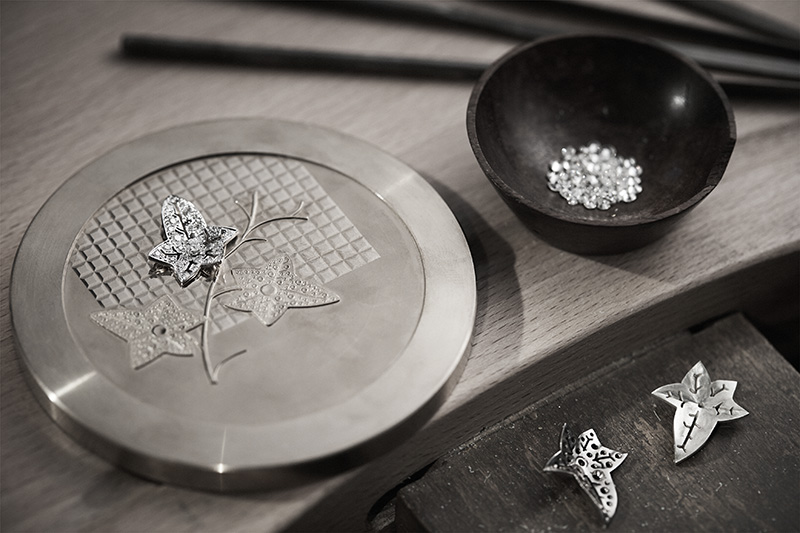 AN EXCEPTIONAL COIN - THE ALLIANCE OF METAL AND HIGH JEWELRY - The Monnaie de Paris with Boucheron