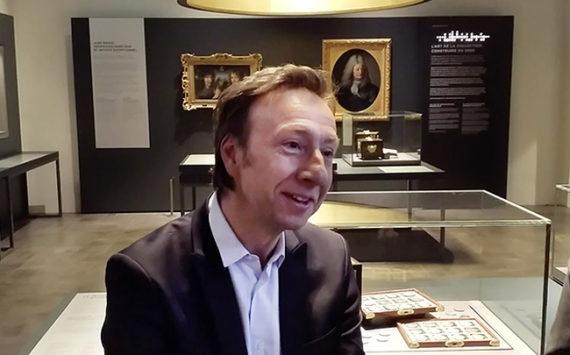 Interview de Stéphane Bern sur la genèse de la collection pièces d'Histoire pour la fondation du patrimoine