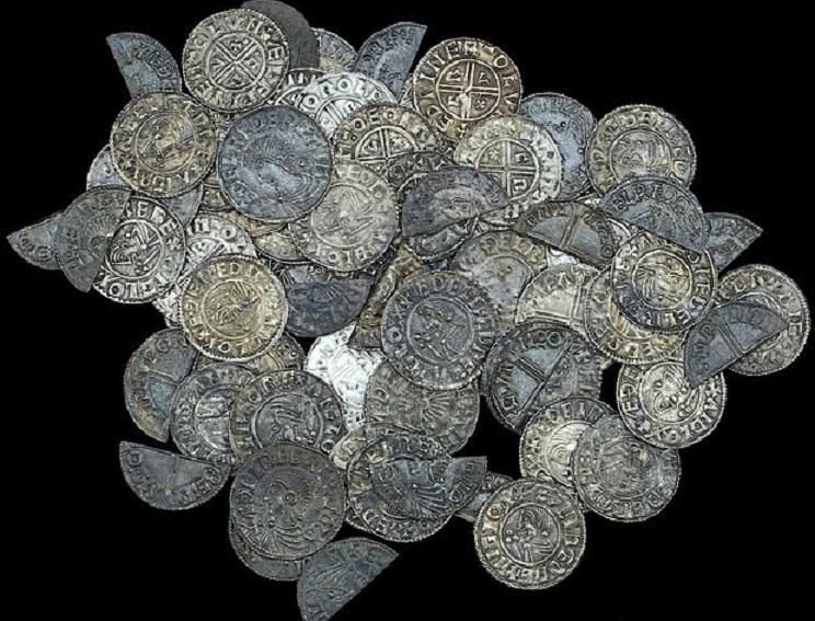 Un détectoriste anglais découvre un trésor datant du règne d'Aethelred II