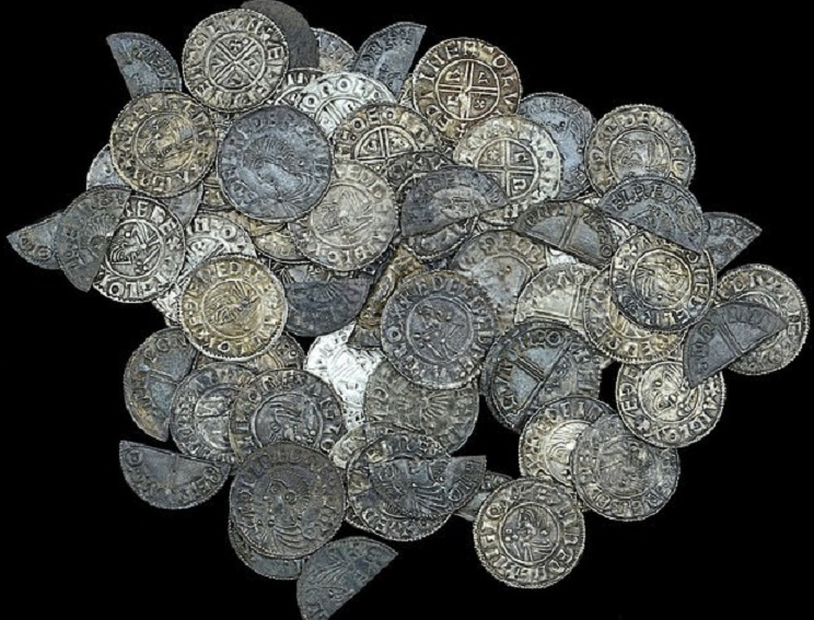 King Aethelred II period 's hoard that is worth up to 50 000 pounds!