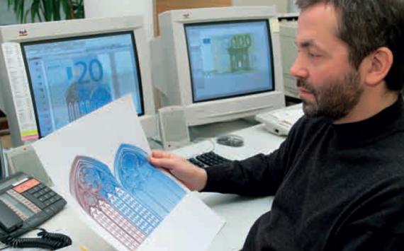 Combien de billets euros de la première série encore en circulation?
