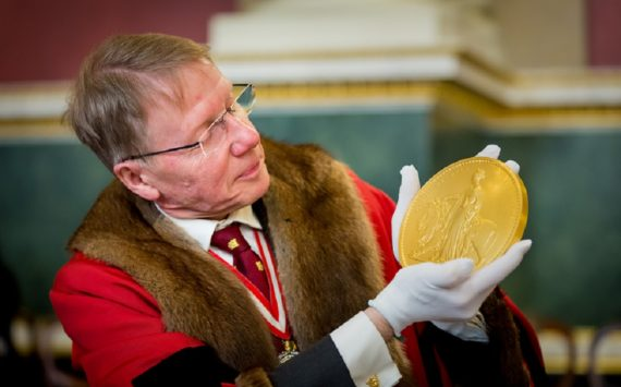 """The Royal Mint's """"Una and the Lion"""" coins tested at Trial of the Pyx"""