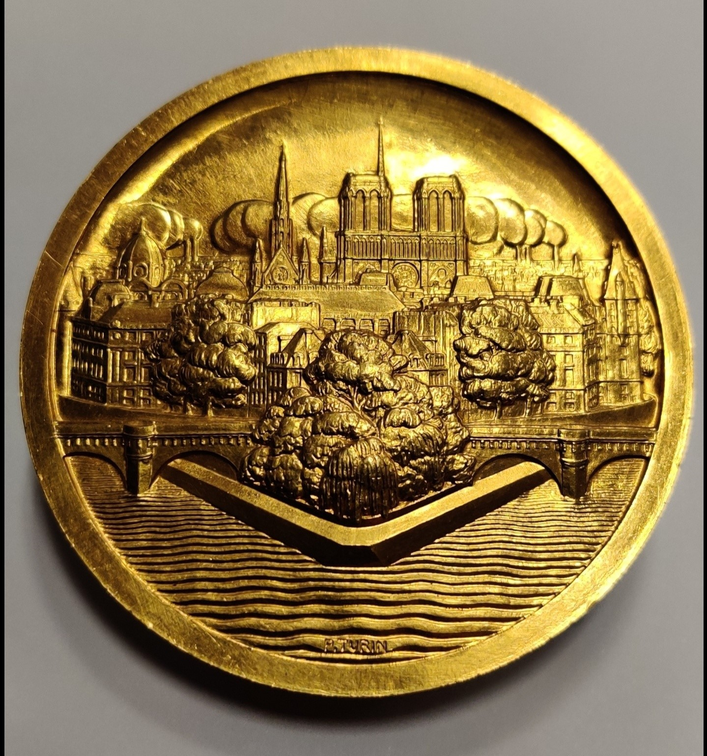 Exceptional gold medal designed by Pierre TURIN at Auction!