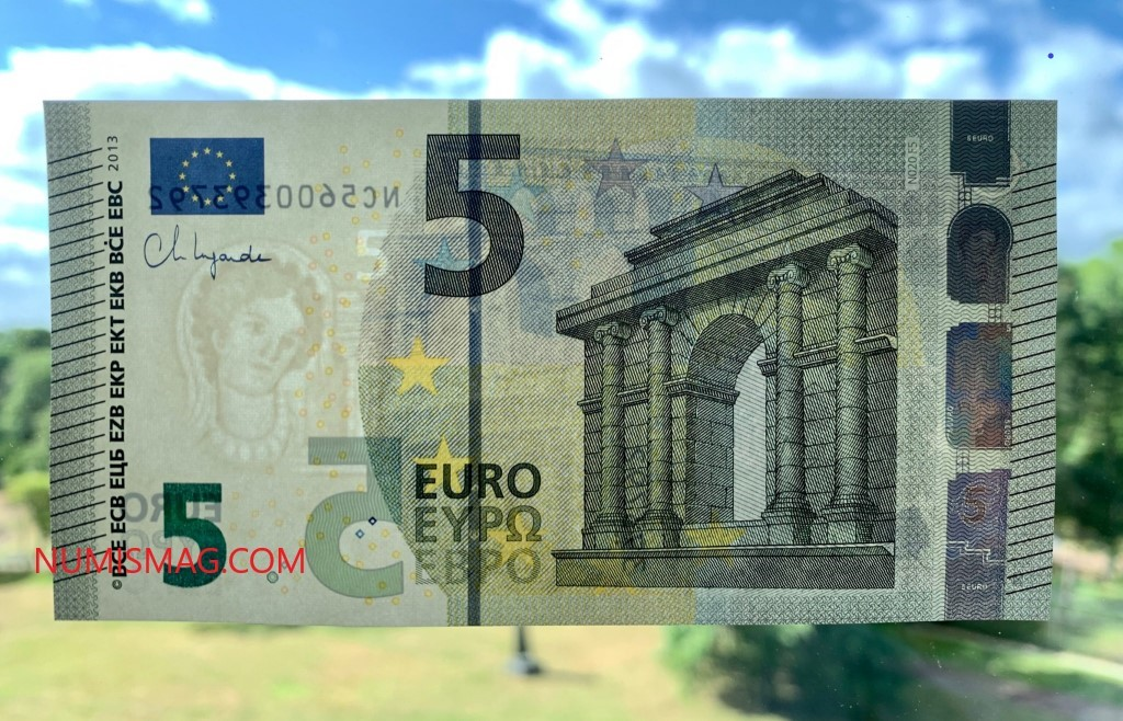 First euro banknote signed by Christine LAGARDE, ECB's president