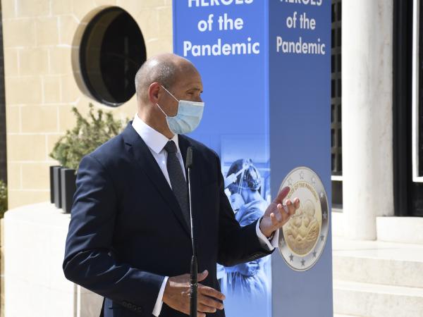 """Cérémonie de présentation officielle de la 2€ maltaise 2021 """"Héros de la Pandémie"""""""
