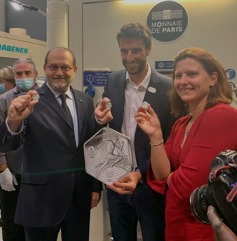 """Official first strike – silver €10 """"Olympics of Paris – 2024"""" at the french mint"""